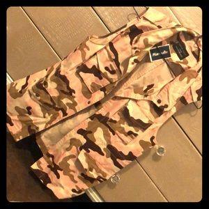 Sleeveless waist belt button up jacket vest
